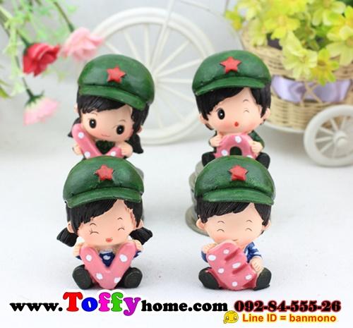 ตุ๊กตาเรซิ่นห้อยขาน่ารักทหารสื่อรัก