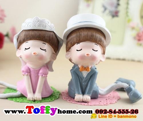 ตุ๊กตาเรซิ่นห้อยขาของขวัญของฝากให้กับคนที่คุณรัก ขนาด 7*12*19.5 cm.