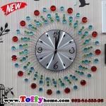 นาฬิกาติดผนังประดับคริสตัลแดงและเขียวสุดสวย ขนาด 22*50*50 cm.